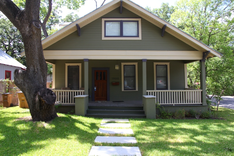 Bungalow style houses are my favorite and Austin knows how to do them!